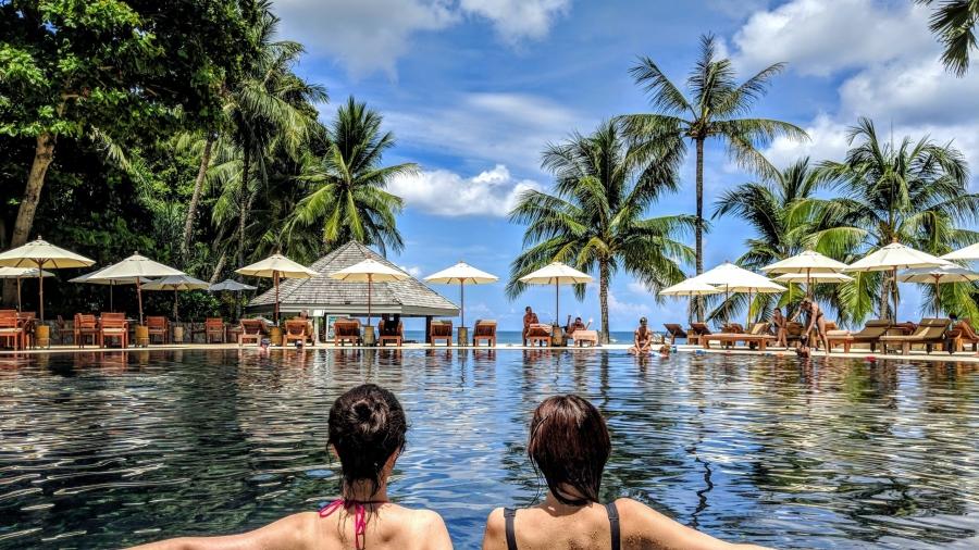 vacanze in villaggio turistico con piscina