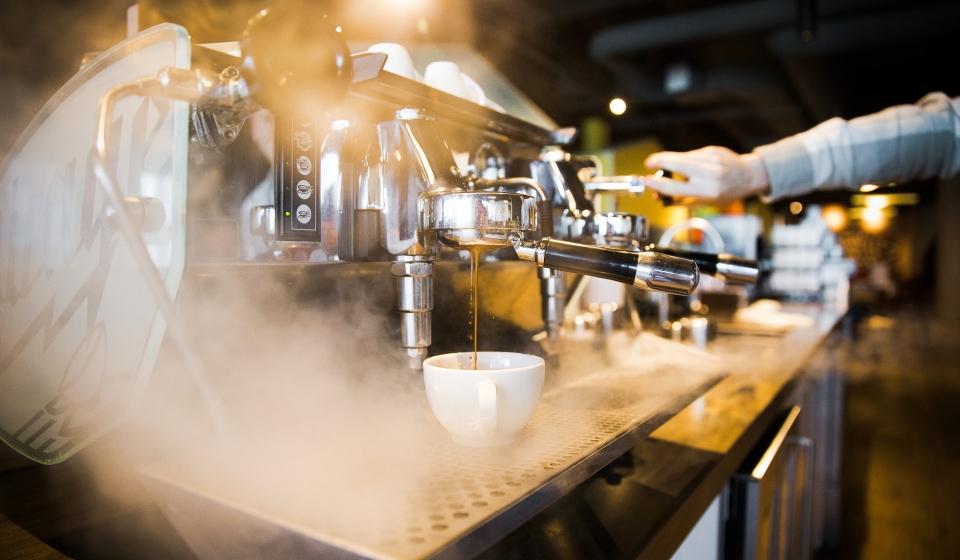 Batterio della Legionella: perché sui luoghi di lavoro si fa prevenzione mentre a casa no?